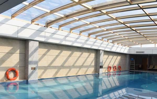 Automatic Retractable Pool Enclosure - Swimming Pool Enclosure - Telescopic Polycarbonate Enclosures - Sunshield Sunroom - Straight Pool House