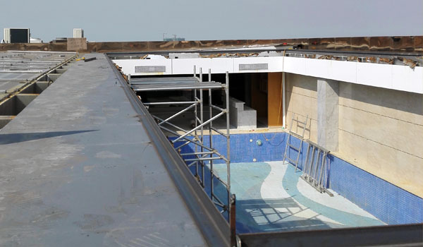 how to build a swimming pool enclosure-preparing the ground-flatten the pool deck-sunshield pool enclosures